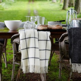 VINGA WHITE LAMBS WOOL THROW KLIPPAN YLLEFABRIK