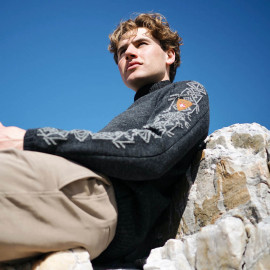 SIGURD MASCULINE SWEATER DALE OF NORWAY